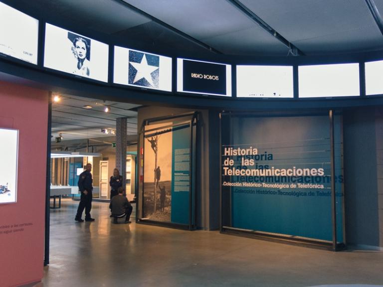 Storia-delle-telecomunicazioni-telefonica